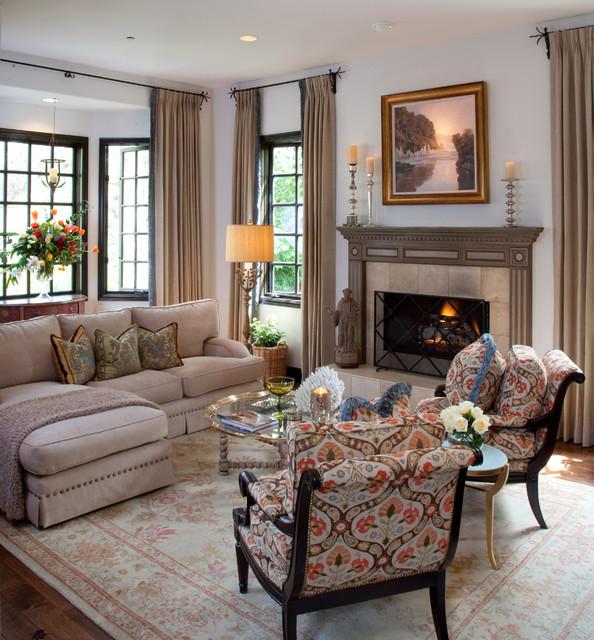 Living Room For Vicki Gunvalson Of The RHOC Mediterranean