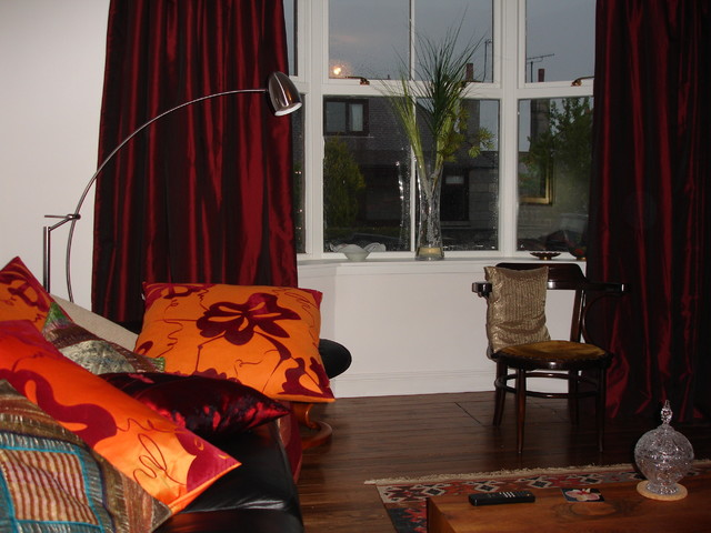 Living Room In Red And Orange