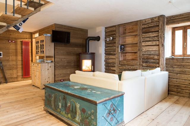 Living room in montagna soggiorno venezia di ri novo for Soggiorno montagna