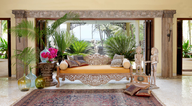Veranda Tropical Living Room Other Metro By The