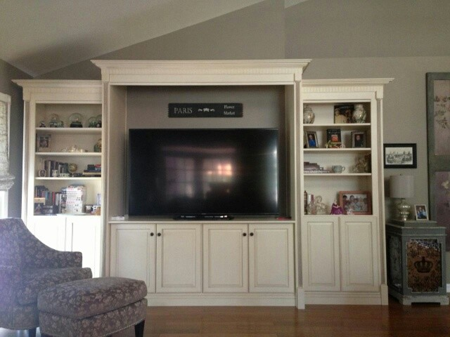 Living Room wall unit/Entertainment Center traditional-living-room