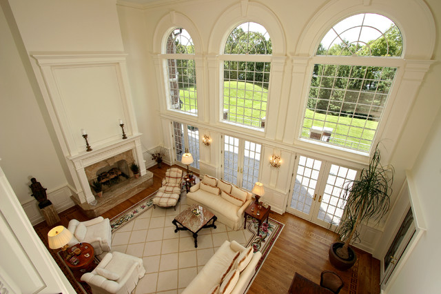 Living Room With Arched Windows Traditional Living