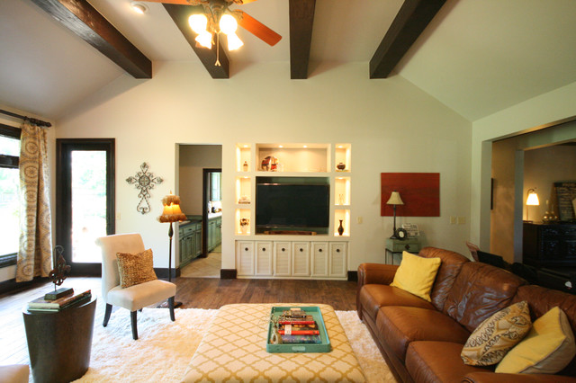 Living Rooms/Family Rooms/Offices/Dining Rooms traditional-living-room
