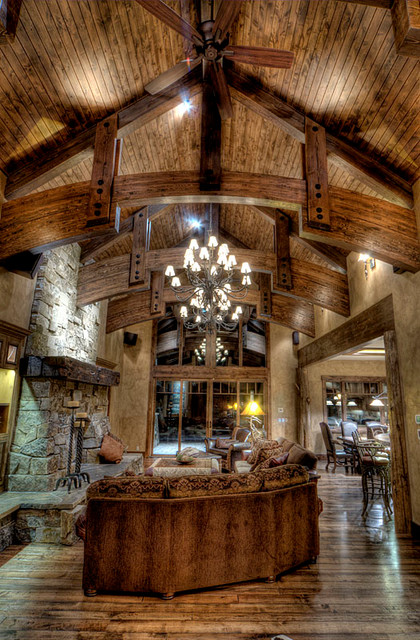 Lodge Retreat traditional-living-room