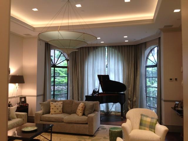 London residence crittall usa contemporary living for Modern living room usa