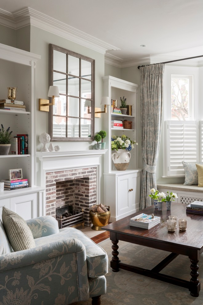 Mid-sized transitional living room photo in London