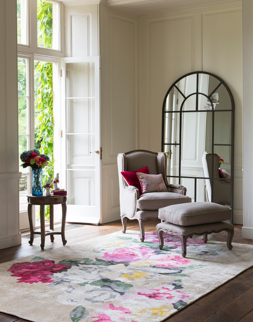 Louis french armchair traditional living room london for Traditional armchairs for living room