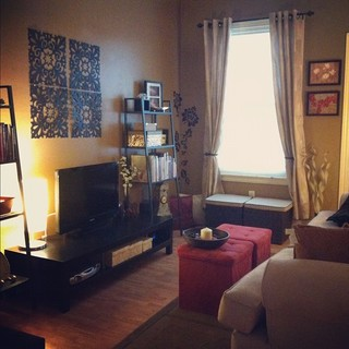 Low budget doesn t mean low style modern living room - Modern living room design on a budget ...