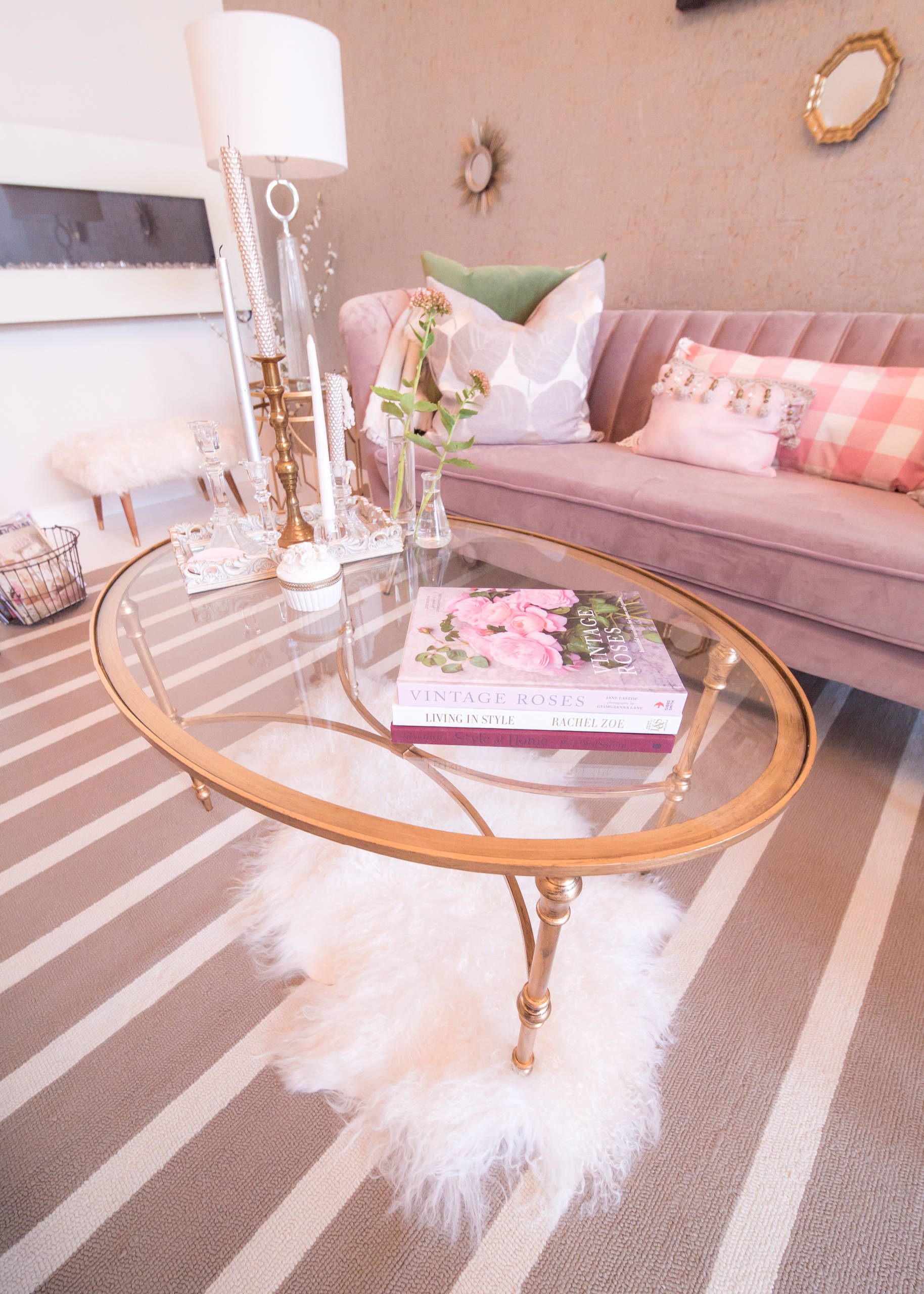 75 Beautiful Pink Living Room Pictures Ideas March 2021 Houzz