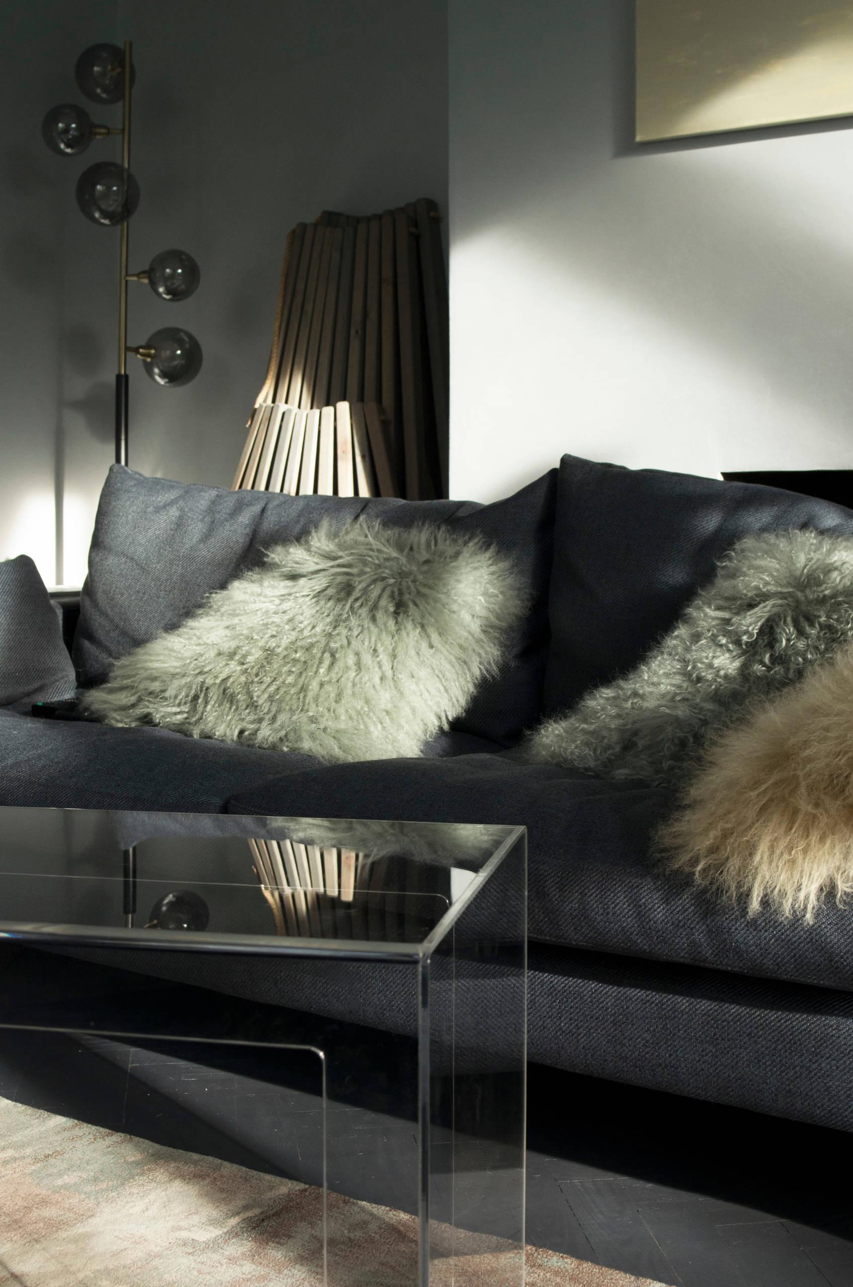 Luxury Living Room (LR_Cont001_1 & WPL_S001)