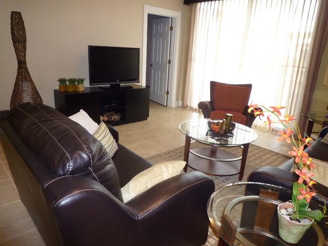 magda bruna / Concierge FL modern-living-room