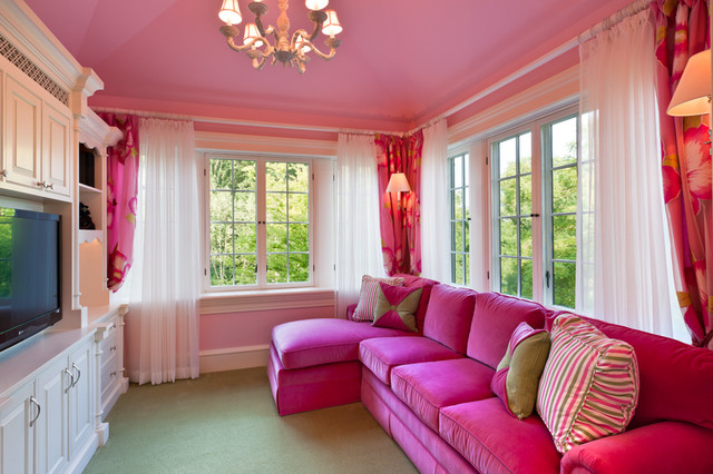 Living Room   Large Traditional Carpeted Living Room Idea In Philadelphia  With Pink Walls And A