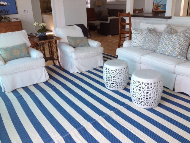 Malibu Beach House 100 Vinyl Area Rug Lina Mariners Blue Traditional Living Room