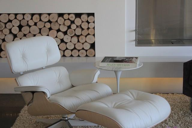 Malibu Condo contemporary-living-room