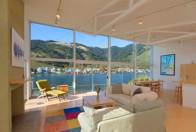 Marin modern beach house for Modern beach house living room