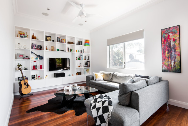 This is an example of a contemporary living room in Perth.
