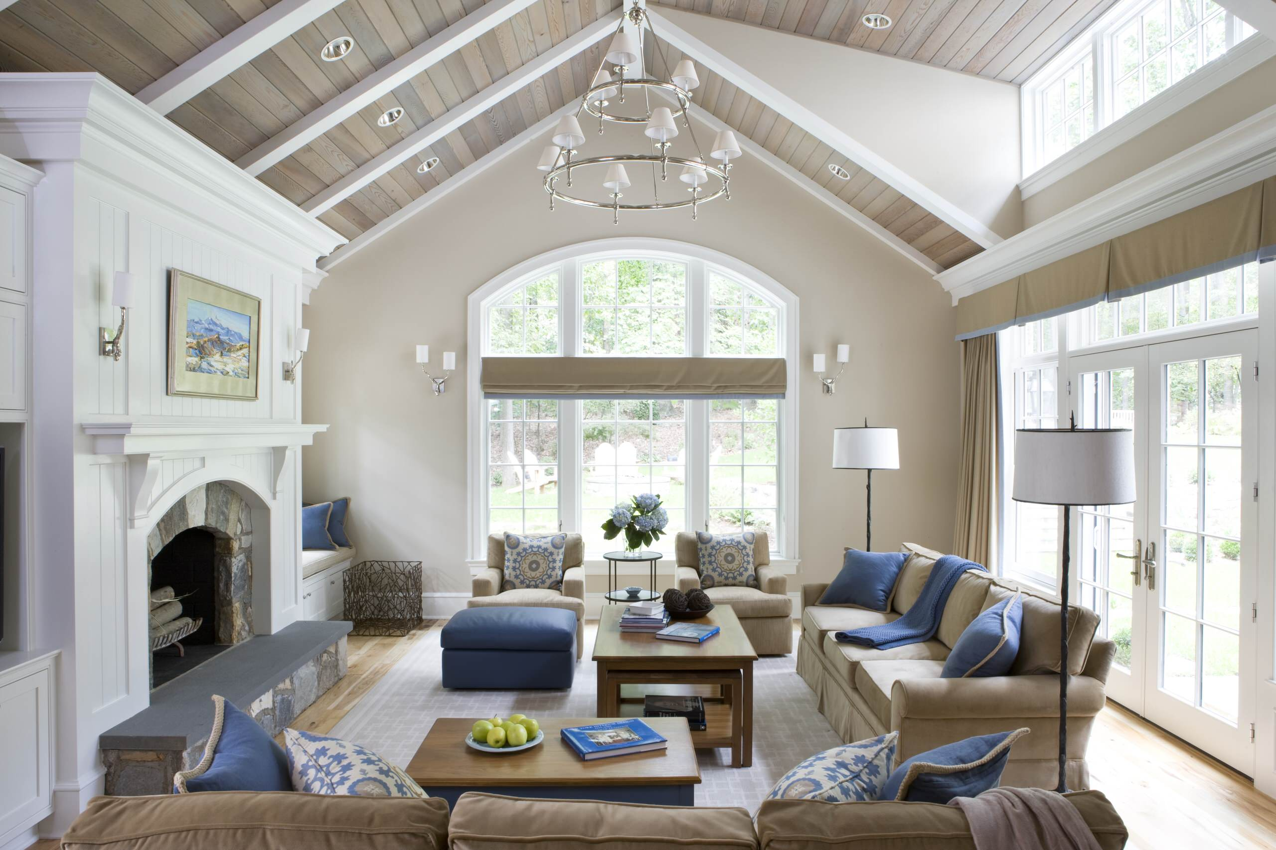 75 Beautiful Vaulted Ceiling Living Room Pictures Ideas July 2021 Houzz
