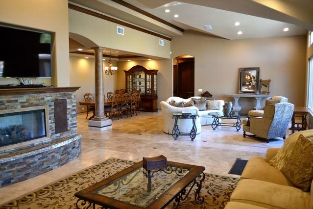 Mediterranean Villa Living room