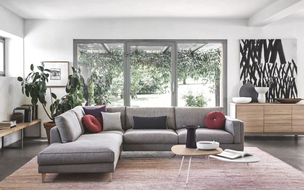 Inspiration for a mid-sized modern living room remodel in Los Angeles