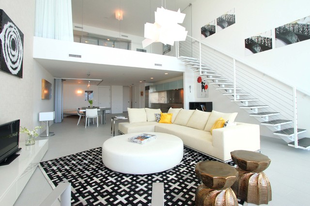 Miami duplex for Modern living room gadgets