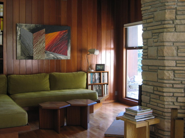 Mid-Century Modern Architectural House modern-living-room