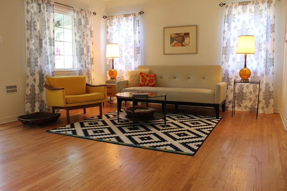 Mid Century Modern Living Room With B W
