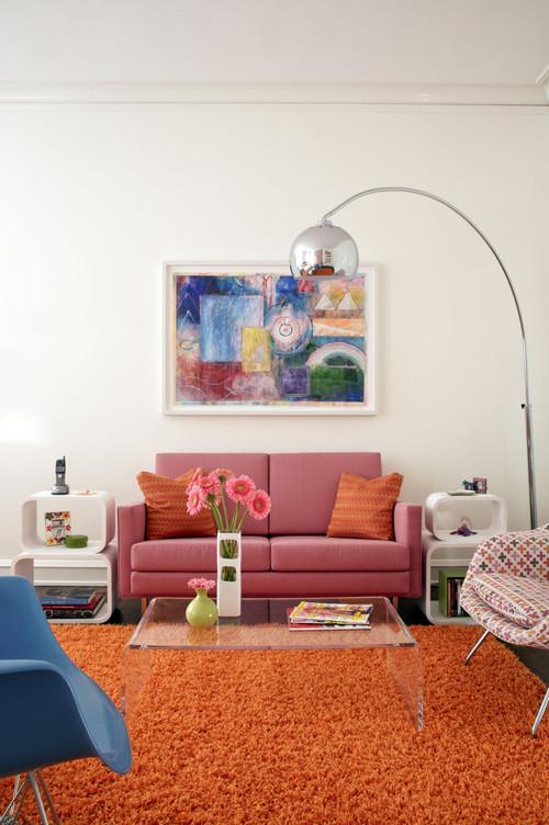 【Houzz】ソファで考える、大人っぽくハイセンスなピンクの使い方 7番目の画像
