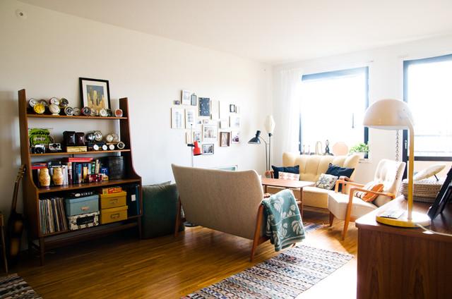 Hilda's House midcentury-living-room