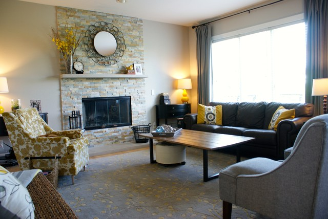 Middleton Wisconsin Elegant Living Room With Fireplace