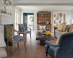 Mill Valley Classic Cottage transitional living room