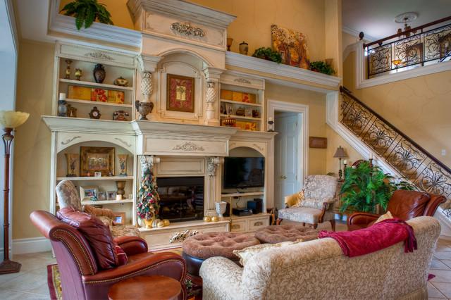 Miromar Residence traditional-living-room