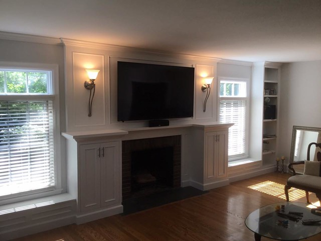 Example of a classic living room design in Indianapolis