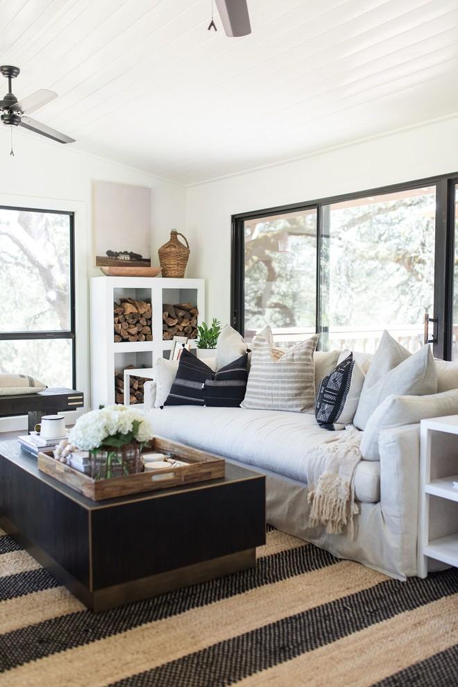 Inspiration for a cottage living room remodel in Sacramento