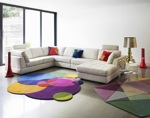 Modern Living Room Design with Light & Bright Colors