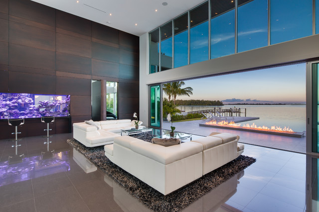 Modern Living Room W Living Color Aquarium Wall