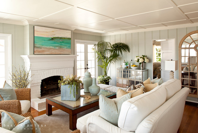 Modern rustic beach cottage turnberry lane - Beach style living room ...