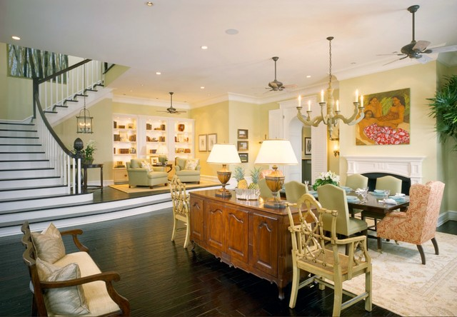 Example of an island style living room design in Tampa