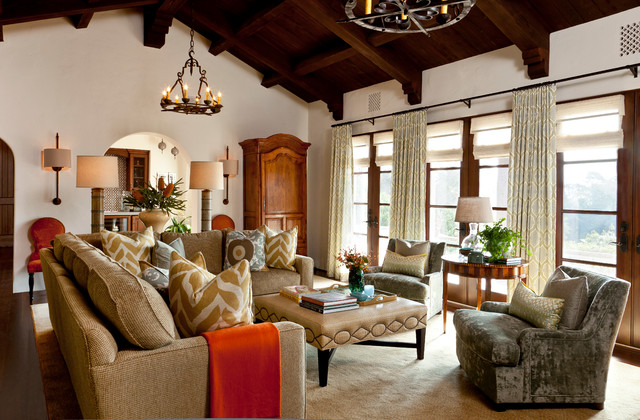 Example of a classic living room design in Santa Barbara with a standard  fireplace