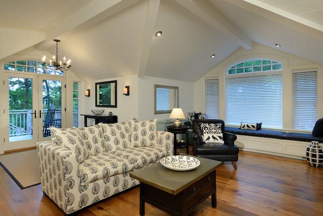Muskoka Cottage traditional-living-room