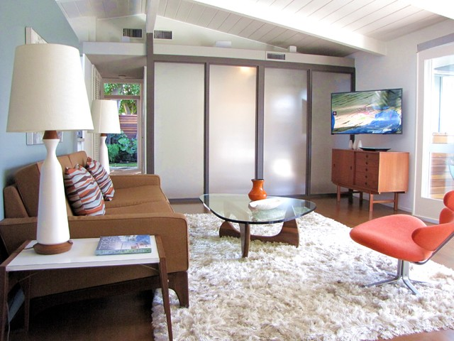 My Houzz: A Cliff May Home Leads the Way in Long Beach midcentury-living-room