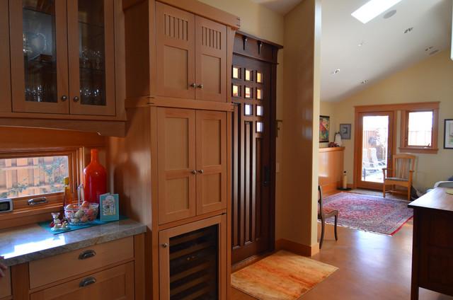 Cayucos, CA: Robert and Phyllis Frank craftsman-living-room