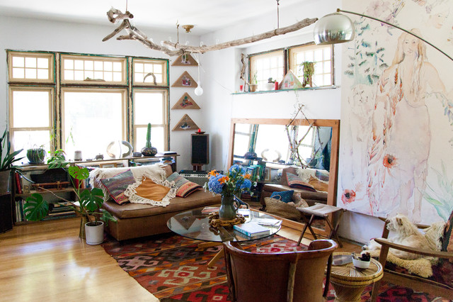 My houzz bohemian home inspired by organic 1970s design for Eclectic bohemian living room