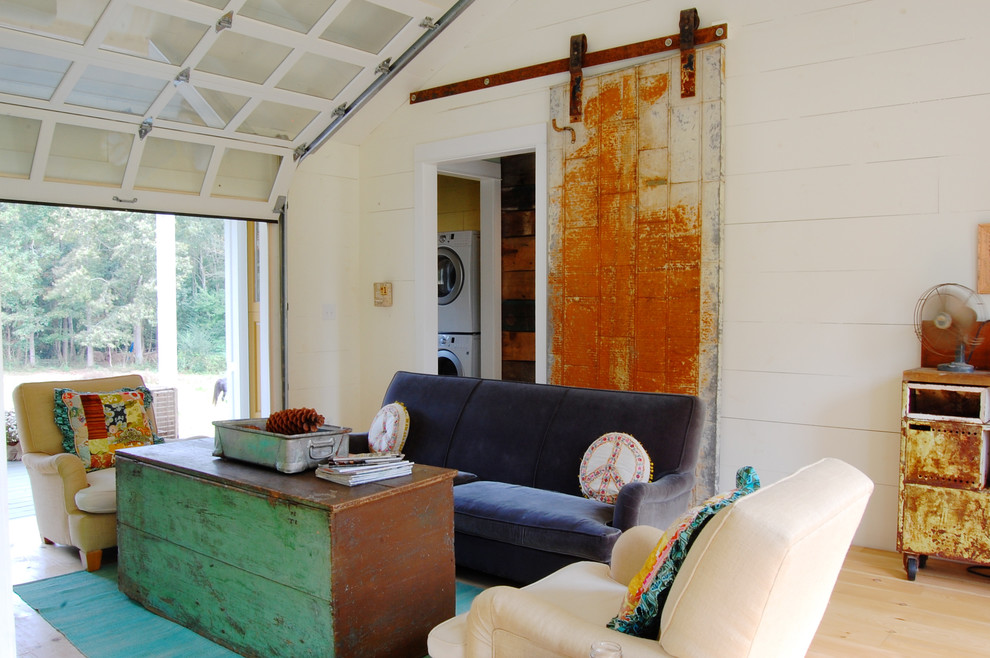 Cottage living room photo in New York
