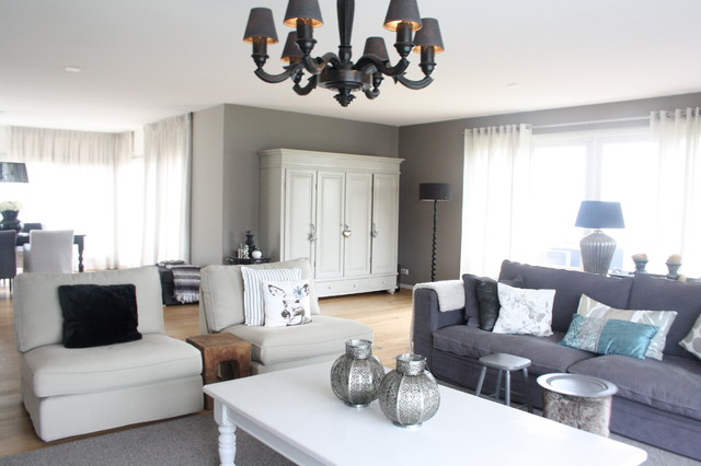 My houzz country chic family home in the netherlands for Soggiorno amsterdam