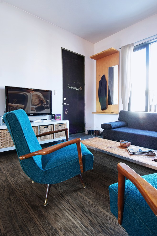 Mid-sized urban living room photo in Toronto with white walls