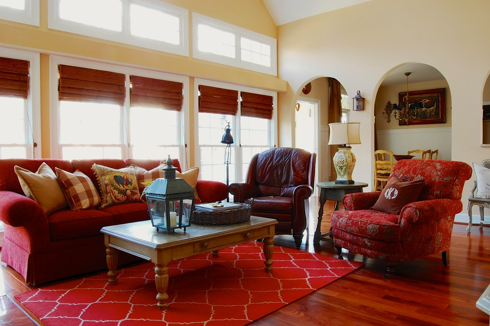 Country living room photo in New York