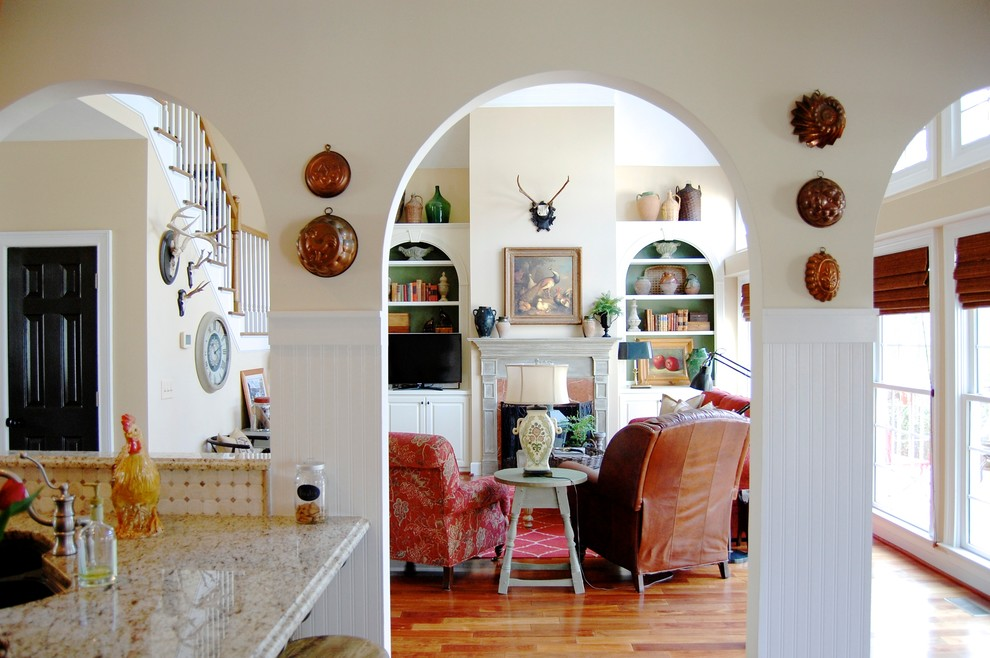 Living room - cottage living room idea in New York