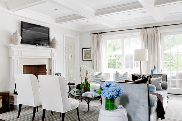 example of a classic living room design in new york - Houzz Living Room