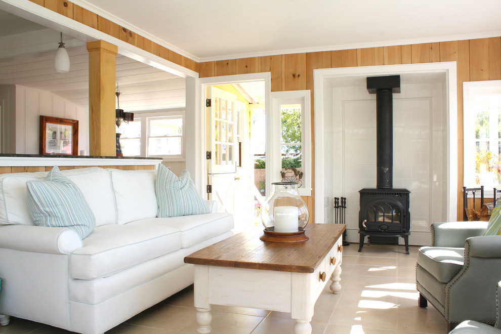 Living room - traditional living room idea in San Francisco