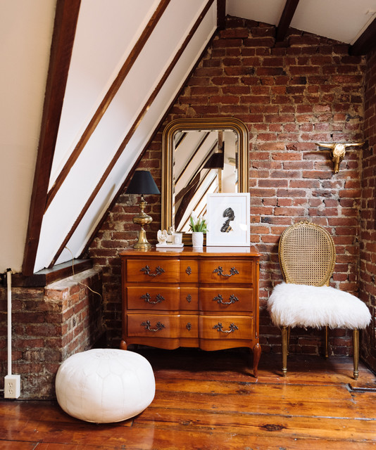 My Houzz: Sweet Styling Details in a D.C. Apartment eclectic-living-room